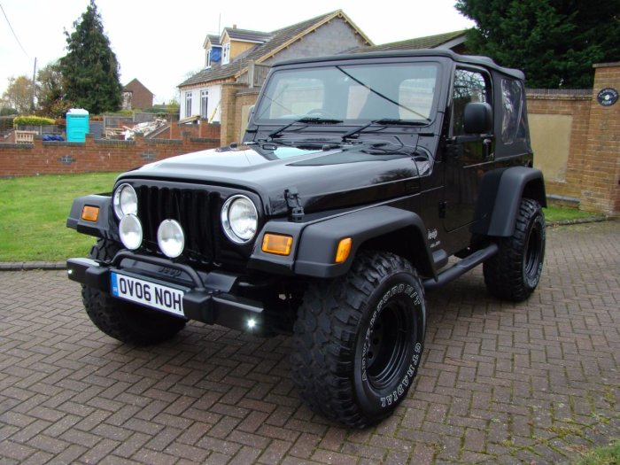 Jeep Wrangler 4.0 Jamboree 2dr Convertible Petrol Black